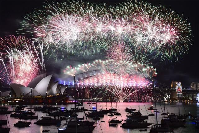 Vivre deux fois l'arrivée de 2017? C'est possible... (PHOTO Saeed KHAN, archives Agence France-Presse)