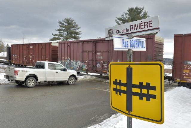 Un train et une automobile sont entrés en... (Spectre Média, Maxime Picard)