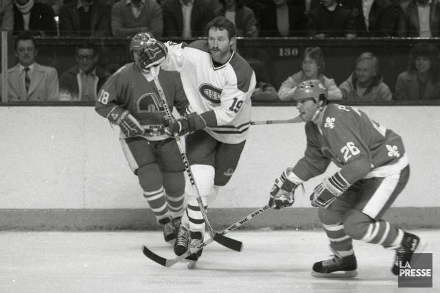 Entre deux matches de hockey dans la rue,... (Archives La Presse)