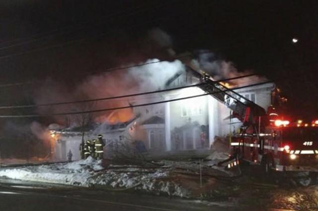 Pas moins de 45pompiers ont combattu les flammes.... (Fournie)