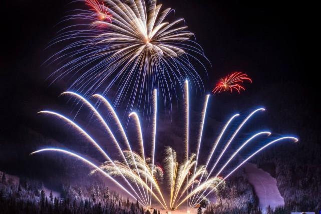 L'an dernier, le feu du Valinouët avait attiré... (Photo courtoisie)