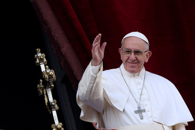Le pape François lors de son traditionnel message... (Photo Alessandro Bianchi, REUTERS)