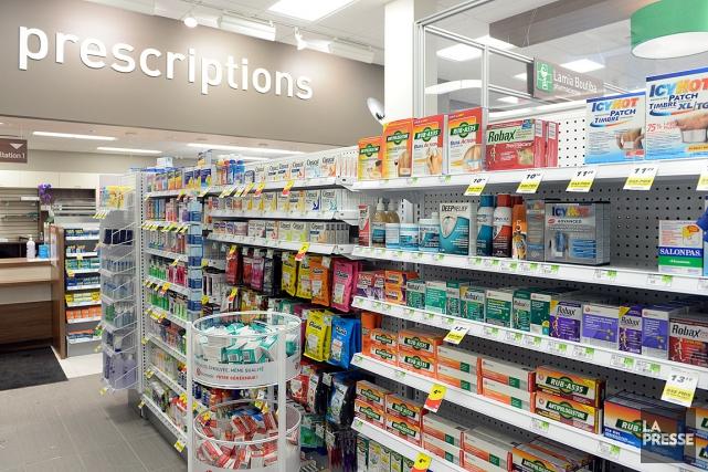 Les pharmacies sont ouvertes pour Noël, avec un... (PHOTO BERNARD BRAULT, ARCHIVES LA PRESSE)
