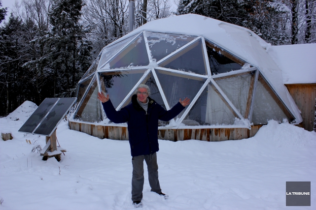 Jean Béliveau a établi son dôme au sommet... (La Tribune, Yvan Provencher)
