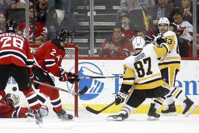 Sidney Crosby a inscrit son 25e but de... (Photo Julio Cortez, AP)