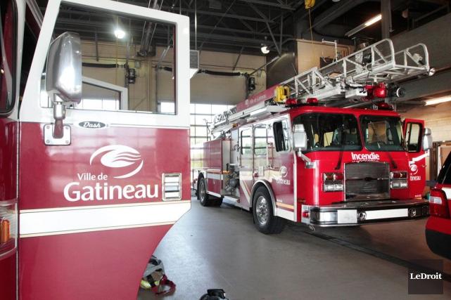 Les pompiers de Gatineau sont intervenus au 86... (Etienne Ranger, Archives Le Droit)