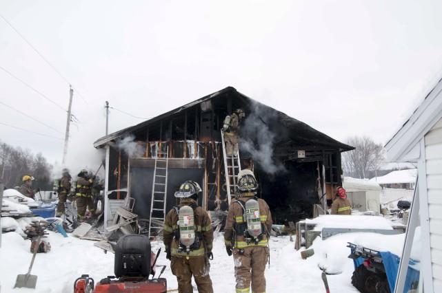 Garage incendié à Shawinigan (Sylvain Mayer)