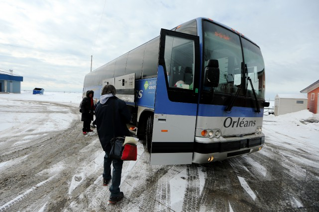 Le blizzard qui touchera le Québec jeudi après-midi pourrait retarder les... (La Presse)
