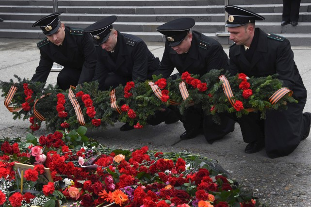 Alors que la Russie pleure toujours les 92... (AFP, Vasily Maximov)