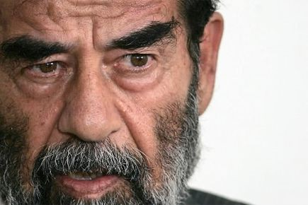 L'ex-président irakien Saddam Hussein... (Archives AFP)