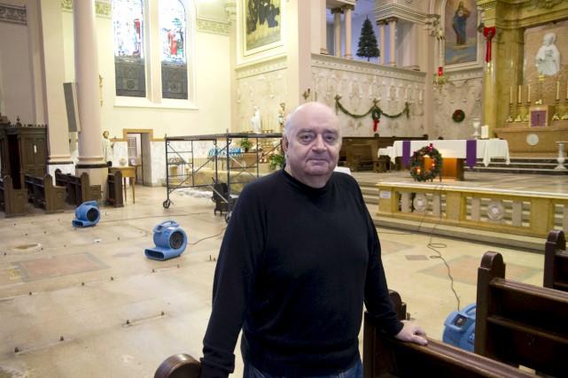 Le curé François Donaldson a pris plaisir à... (Sylvain Mayer)
