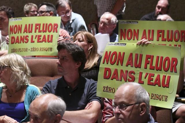 Des opposants à la fluoration.... (Stéphane Lessard)