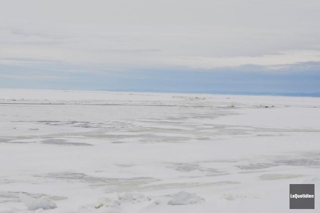 Les glaces sont incertaines sur le lac Saint-Jean.... (Le Quotidien, Louis Potvin)