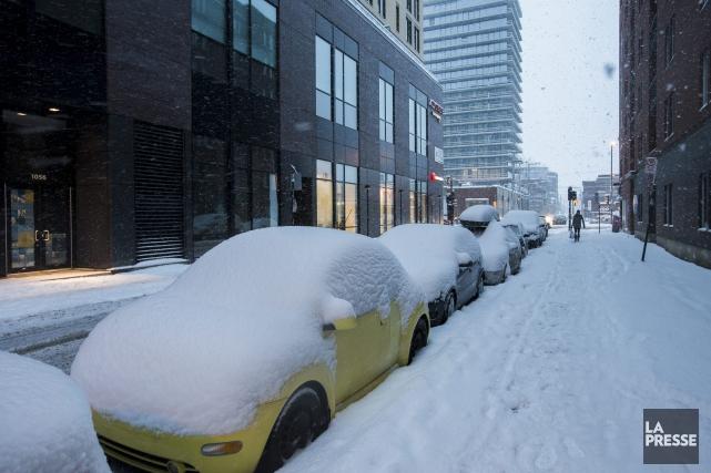 À Montréal, les précipitations étaient terminées jeudi en... (La Presse)