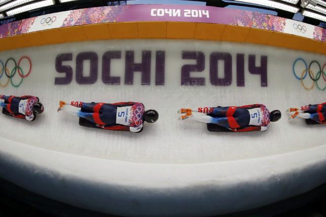 Quatre spécialistes du skeleton de la Russie ont été provisoirement suspendus... (PHOTO Fabrizio Bensch, ARCHIVES REUTERS)