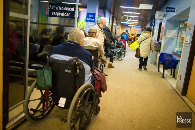 Comme tous les ans, les hôpitaux doivent gérer un fort achalandage dans leurs... (Photo André Pichette, Archives La Presse)