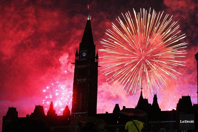 Ottawa célébre samedi soir l'arrivée de 2017 et... (Photo Etienne Ranger, Archives Le Droit)