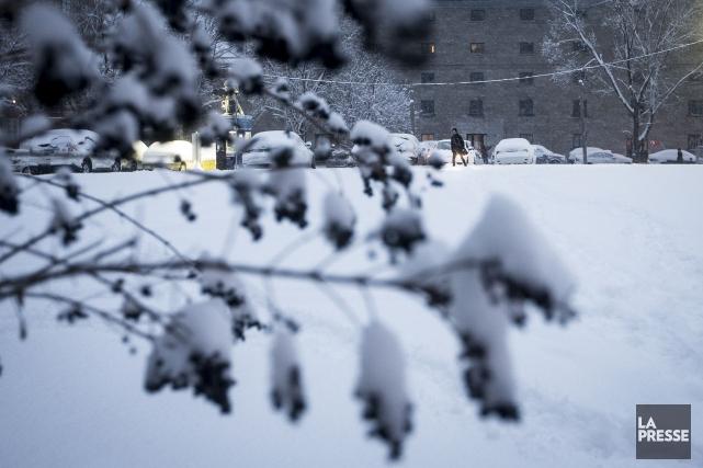 Le Québec se remet à peine de sa dernière tempête de neige qu'une deuxième... (PHOTO OLIVIER PONTBRIAND, LA PRESSE)