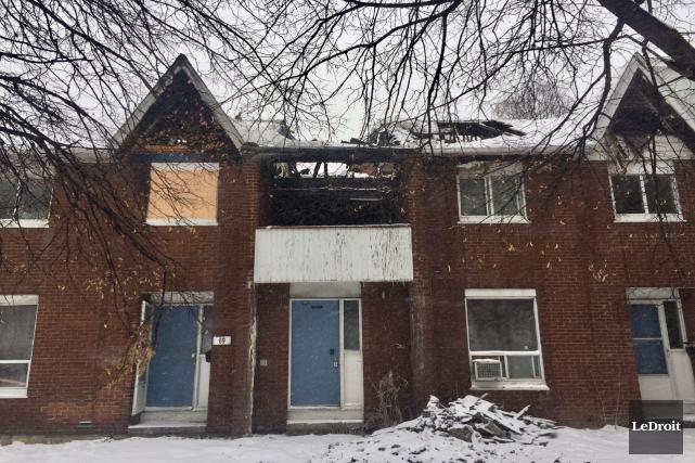 Un incendie a endommagé deux résidences de la... (MARTIN ROY, LE DROIT)