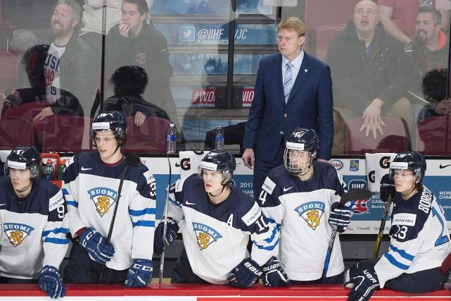 L'entraîneur-chef Jukka Rautakorpi et ses adjoints ont été... (PHOTO Graham Hughes, PC)