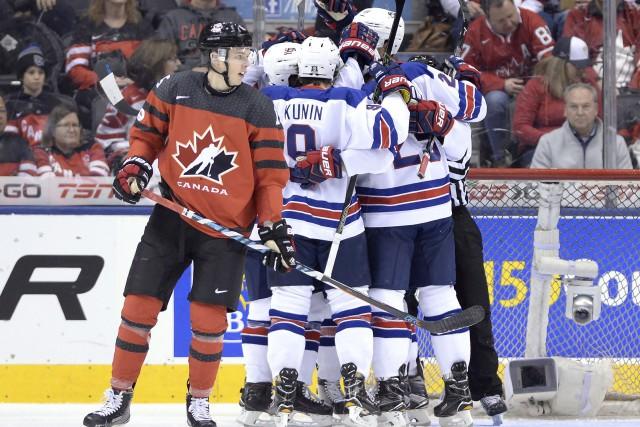 Les États-Unis ont marqué deux buts en avantage numérique tôt dans le match et... (Photo La Presse Canadienne)