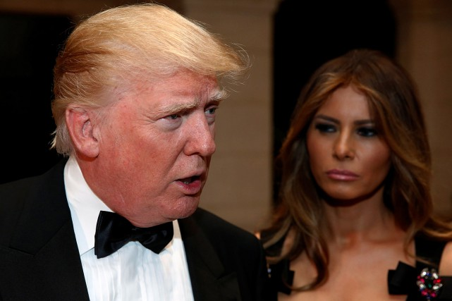 Donald Trump et son épouse, alors qu'il se... (Jonathan Ernst, REUTERS)