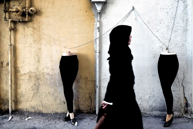 Scène de rue, à Téhéran.... (BEHROUZ MEHRI, ARCHIVES AFP)