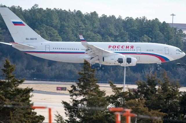 «L'avion a décollé, tout le monde est à... (AFP, Paul J. Richards)