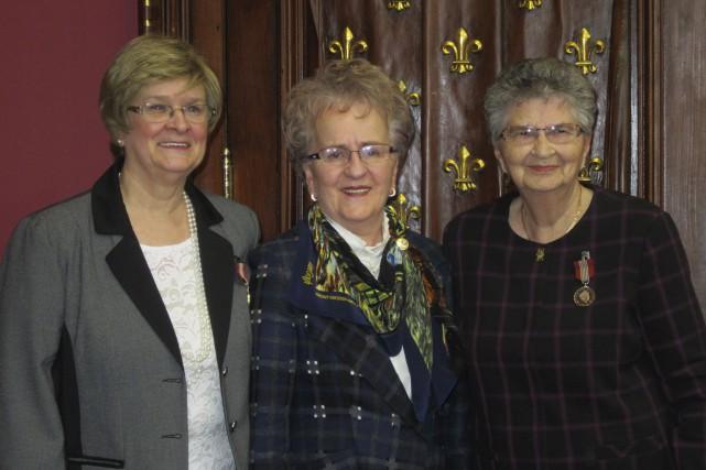 Avec deux autres femmes, Hélène Dorval (à gauche)... (fournie par Mignonne Thibault-Gagné)