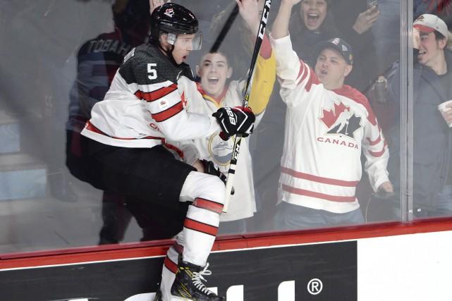 Thomas Chabot a insufflé une bonne dose d'énergie... (La Presse canadienne, Ryan Remiorz)