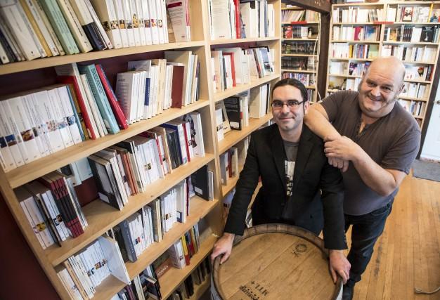 Maxime Nadeau et Michel Vézina de la librairie... (Spectre Média, Jessica Garneau)
