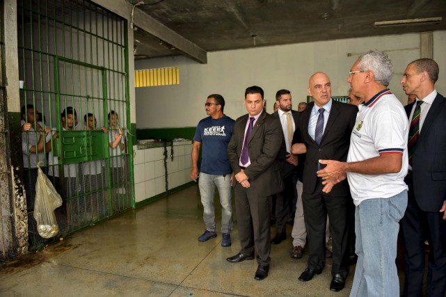 Pour faire face à la surpopulation carcérale, le... (AFP)