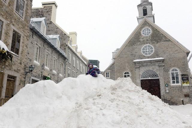 La grande quantité de neige tombée à Québec... (Le Soleil, Erick Labbé)