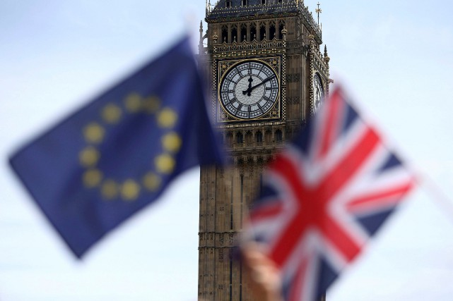 La première ministre britannique Theresa May a laissé entendre dimanche qu'elle... (PHOTO ARCHIVES REUTERS)