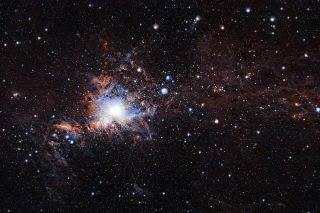 Une image spectaculaire de la célèbre nébuleuse d'Orion,prise... (European Southern Observatory, Antares via AFP)
