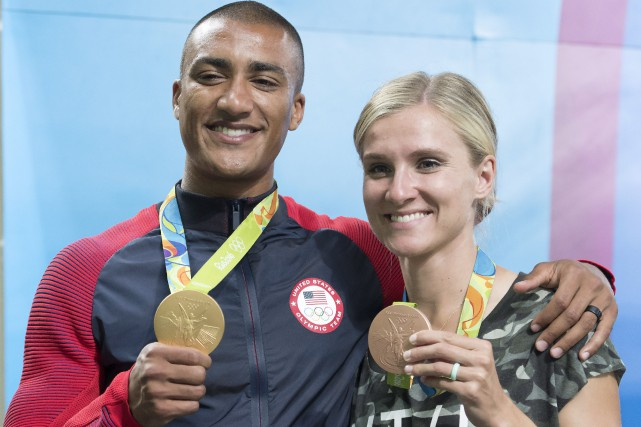 Ashton Eaton et Brianne Theisen-Eaton à Rio.... (Photo Frank Gunn, archives La Presse Canadienne)