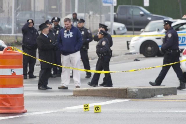 Quelque 998 fusillades ont quand même éclaté dans... (photo Mark Lennihan, Associated Press)