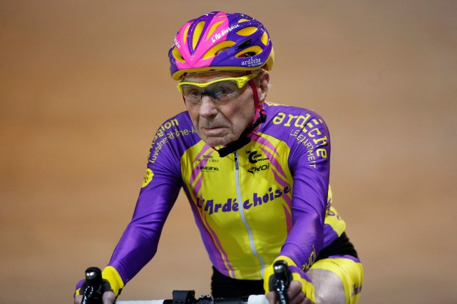 Robert Marchand... (PHOTO JACKY NAEGELEN, REUTERS)