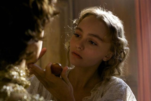 Lily-Rose Depp incarne Isadora Duncan dans le film... (Fournie par TVA Films)