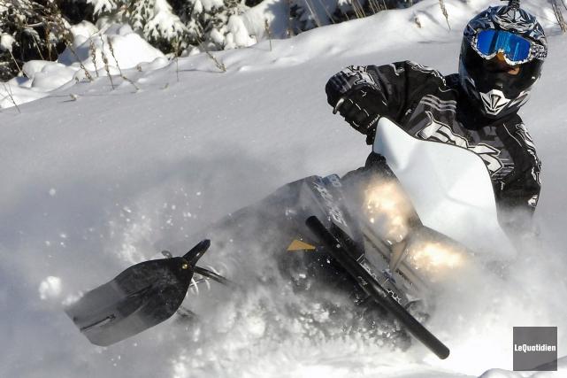 De la motoneige hors-piste.... (Archives Le Quotidien, Michel Tremblay)
