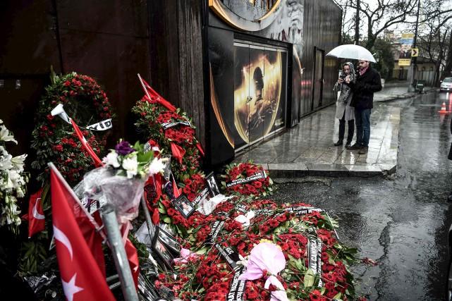 Cinq jours ont passé depuis le carnage qui... (AFP, Ozan Kose)