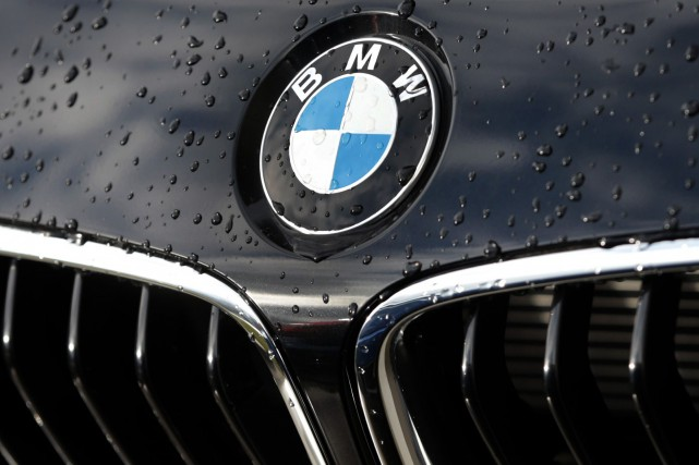 BMW, distancé dans le haut de gamme par... (Photo Matthias Schrader, archives Associated Press)