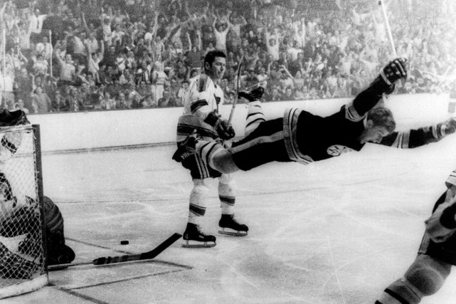 La photo du vol de Orr prise par... (PHOTO RAY LUSSIER, ARCHIVES ASSOCIATED PRESS)