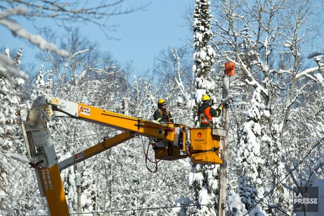 Plus de 30000abonnés d'Hydro-Québec sont toujours privés d'électricité. La... (Hugo-Sébastien Aubert, archives La Presse)