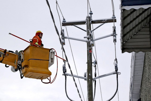 À 10h jeudi, Hydro-Québec rapportait des pannes touchant... (Patrick Woodbury, Le Droit)