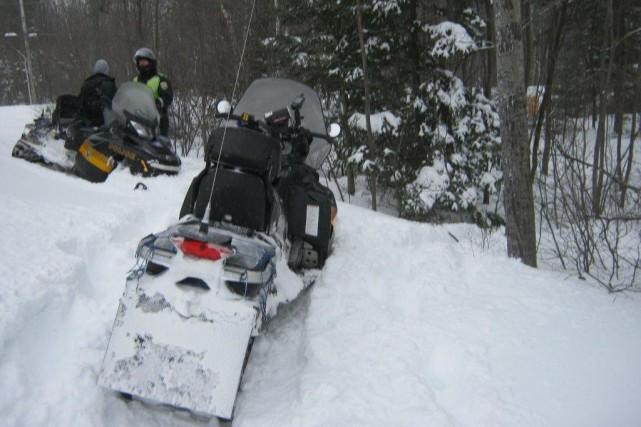 Les patrouilleurs en motoneige de la Sûreté du Québec ont procédé à...