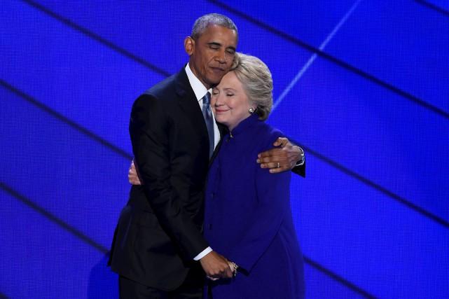 Barack Obama et Hillary Clinton en juillet 2016... (AFP)