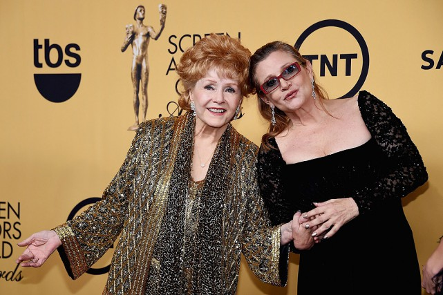 Debbie Reynolds et Carrie Fisher en janvier 2015.... (Archives, Agence France-Presse)