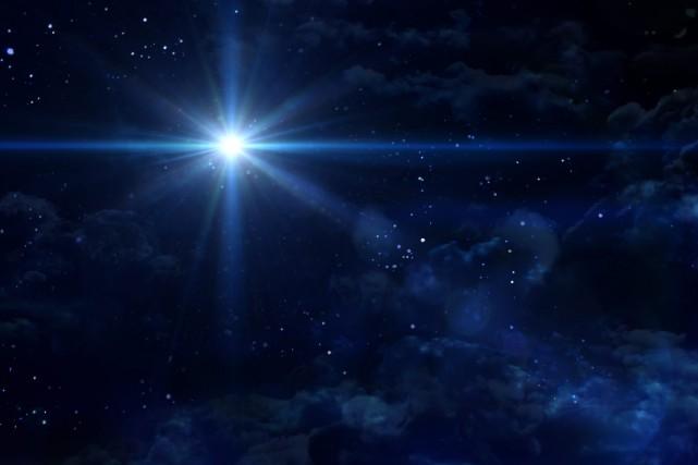 «Même avec un regard perçant, si la lumière... (123RF)