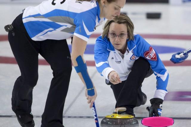 Marie-France Larouche (à droite) espère participer au championnat... (Archives La Presse canadienne, Jonathan Hayward)